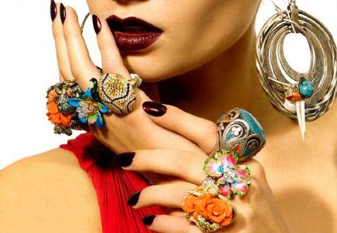 Красивые и модные украшения