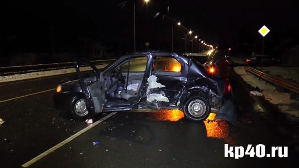 ВДТП под Малоярославцем умер шофёр такси, непристёгнутый ремнём безопасности