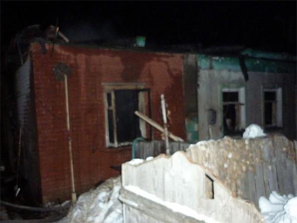 ВДуминичах впламени погибли двое детей имужчина, пытавшийся ихспасти