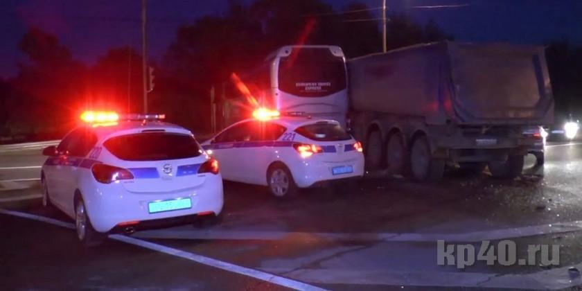 ВКалужской области вДТП попал автобус стуристами изШвейцарии