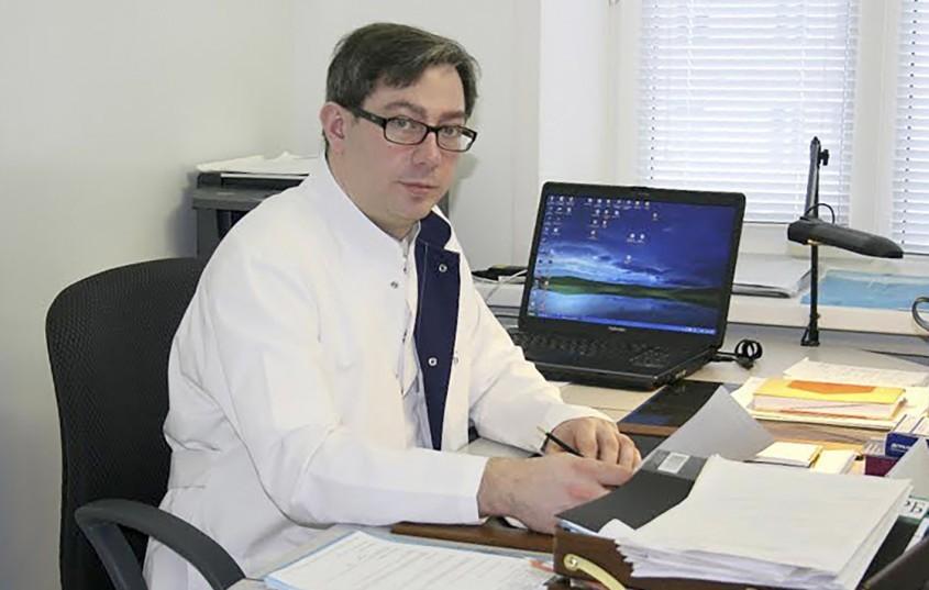 Взятки на 5 миллионов: известный онколог пойдёт под суд