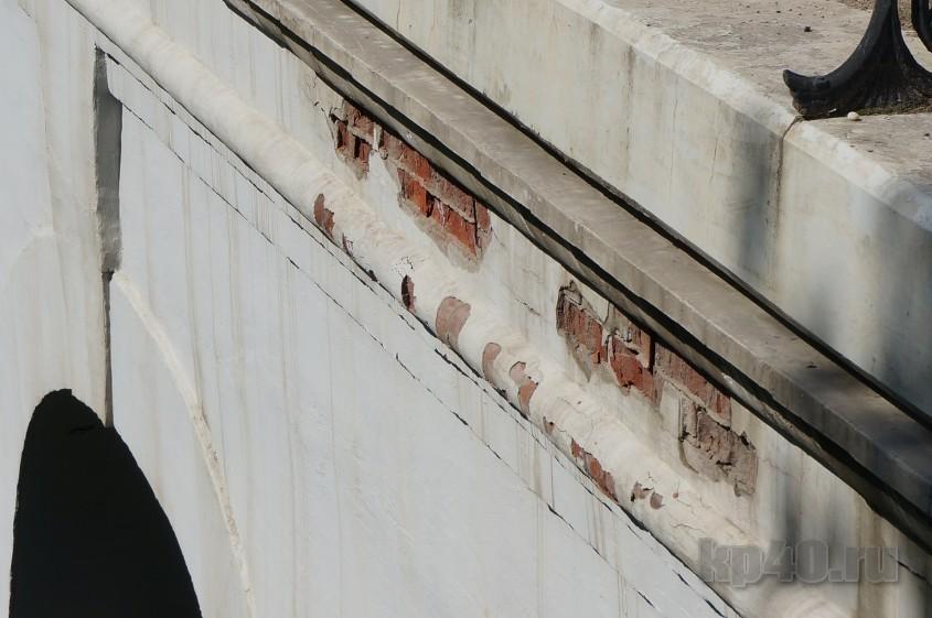 Разваливающийся Каменный мост подлатают ко Дню города