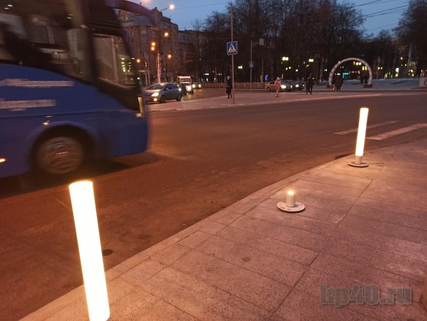 Фонари сломали на улице Кирова