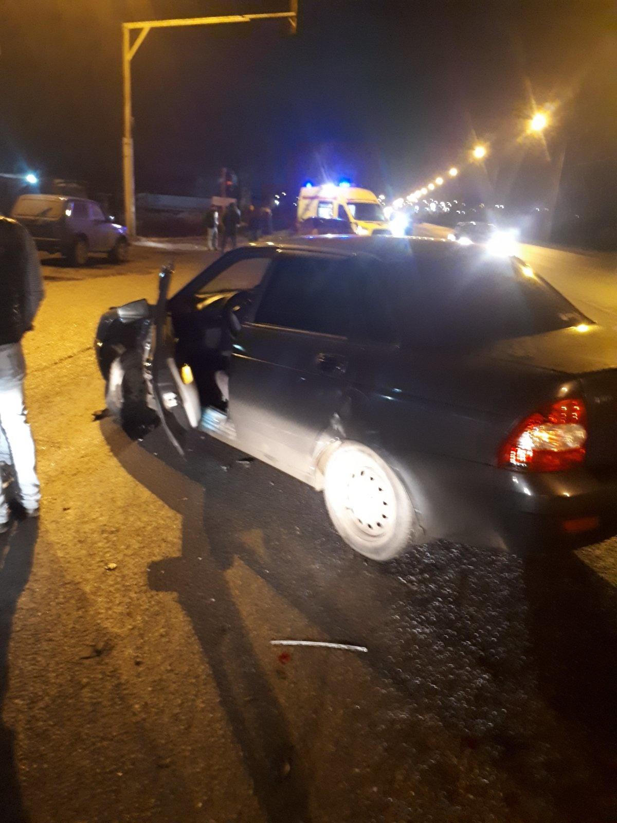 Две машины столкнулись на Киевской трассе