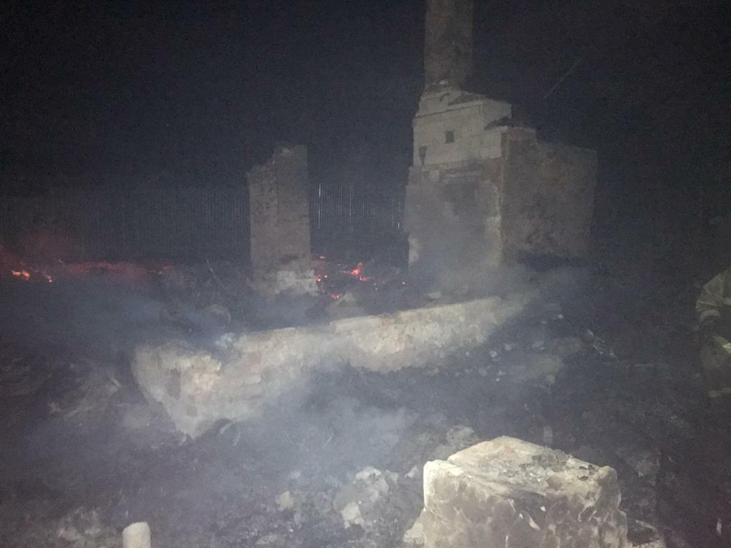 Труп 18-летнего парня нашли в Жуковском районе, сгорел дом