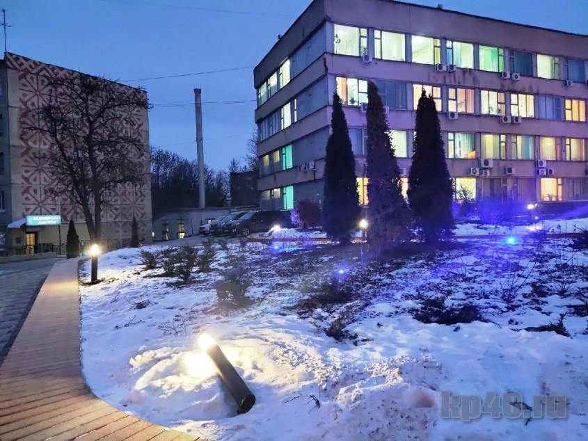 Фонари рядом с горуправой на улице Ленина в Калуге.