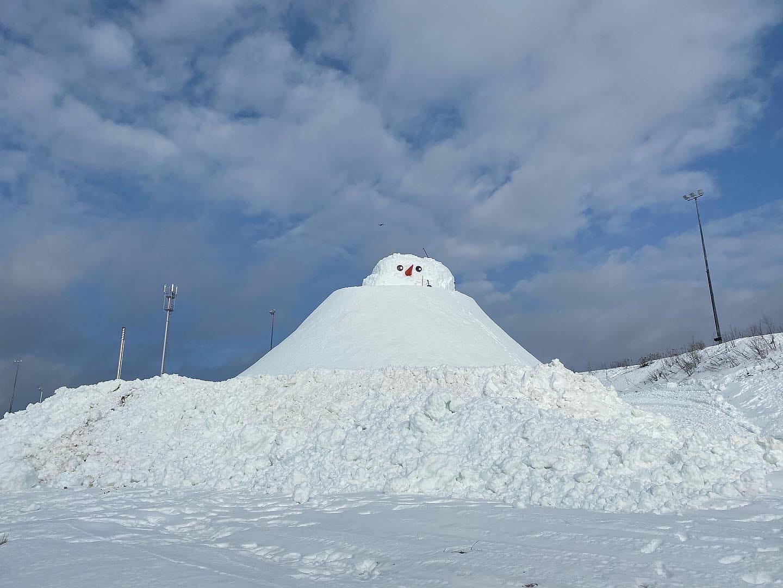 самый большой снеговик в россии калуга квань 28 февраля 2021 года